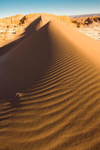 Sand dune at valle de la luna, san pedro de atacama, atacama desert, chile, south america