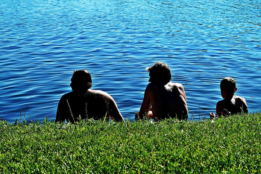 Three Generations ' ...watching the time go by... ' No Talking Necessary Focus On Three Men From Behind View On The Lake Sitting In The Sun Blue Water Summertime Colour Of Life Color Palette Light And Shadows Beliebte Fotos Lake Kinzigsee Langenselbold Germany🇩🇪 Showcase August Enjoy The New Normal
