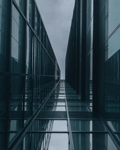 Low angle view of modern building skyscraper düsseldorf germany