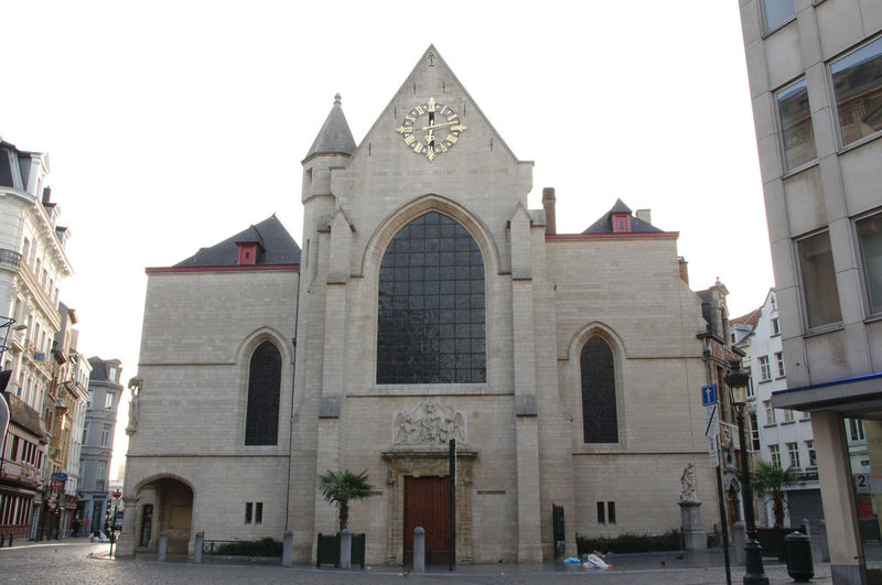 Brussels Europe Capital Cities  Church Building Exterior Built Structure Architecture Building Arch Religion Sky Spirituality Belief Place Of Worship City Incidental People Façade Day History The Past Clear Sky Outdoors Gothic Style