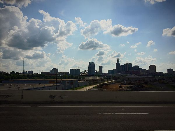 Driving through Nashville and stuck in traffic. Music City Traffic Jam Streetphotography Random Hanging Out Roadtrip on our way to Florida!!! Family Vacay Vacay Are We There Yet?