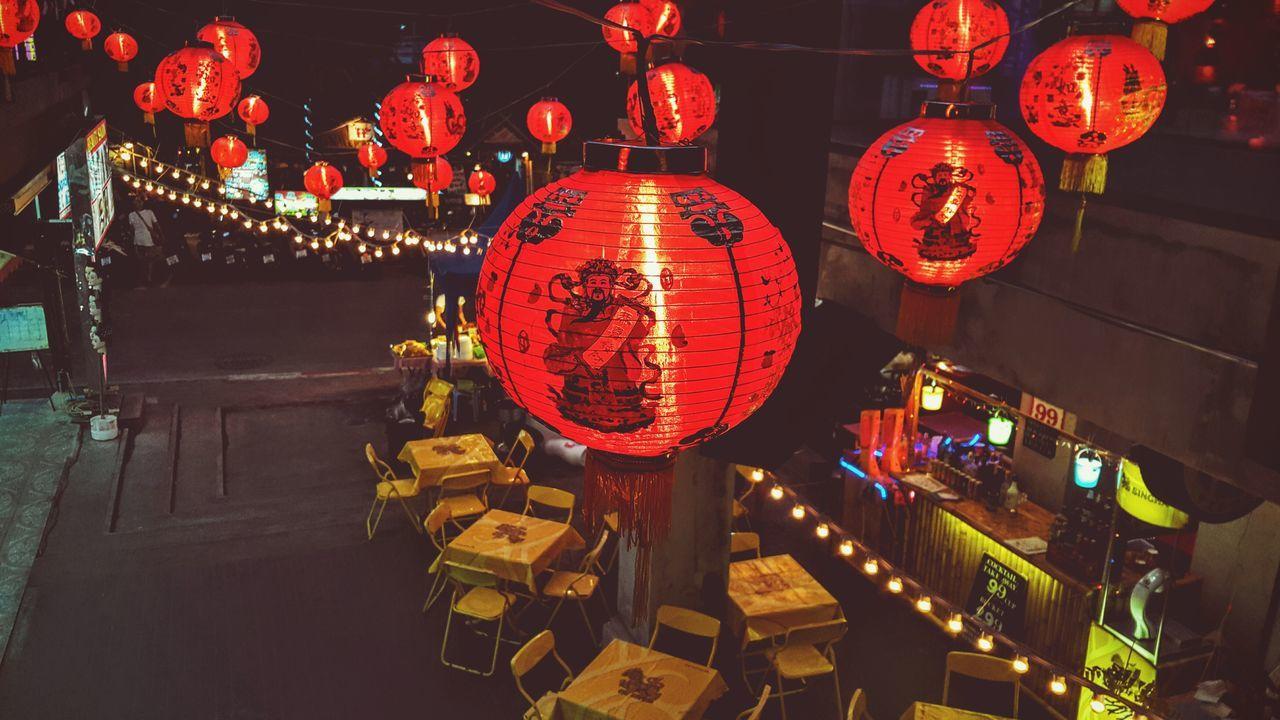 hanging, chinese lantern, lantern, lighting equipment, illuminated, night, cultures, chinese lantern festival, paper lantern, red, celebration, no people, outdoors