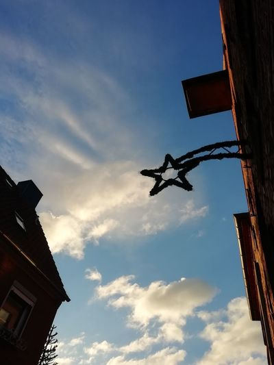 Christmas Decoration Star Shooting Star Christmas Sunny Blue Sky City Sky Cloud - Sky Settlement Sunbeam Historic