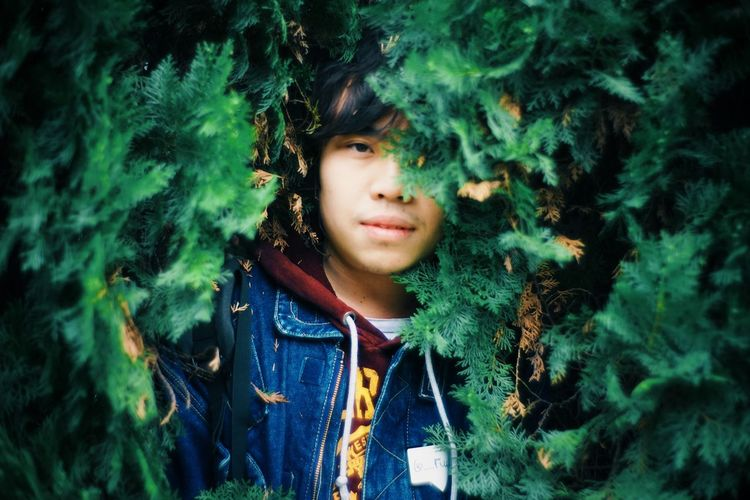 Learn & Shoot: Working To A Brief green Outdoors Boy Asian  Plants Trees Portrait Friend Traveling Nature Human Green Casual Clothing
