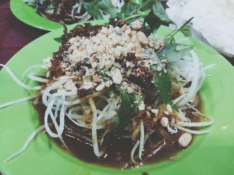 "It's called ""bò hít"" Vietnamfood Vietnamfoodstreet It's hot and spicy 💋"