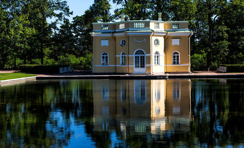 Saint Palace. Palace Catherine Catherine Palace Catherine Palace History Museum  Historycal Place Katharinenpalast Russia Russia, Saint Petersburg Saint Petersburg, Russia Russia Architecture Building Building Exterior Built Structure Day Green Color History History Architecture History Place House Lake Luxury Nature No People Outdoors Plant Reflection Sky  Travel Destinations Tree Water Waterfront