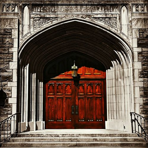 Doors to salvation? Independent Presbyterian Church. Blackandwhite Colorsplash Architecture