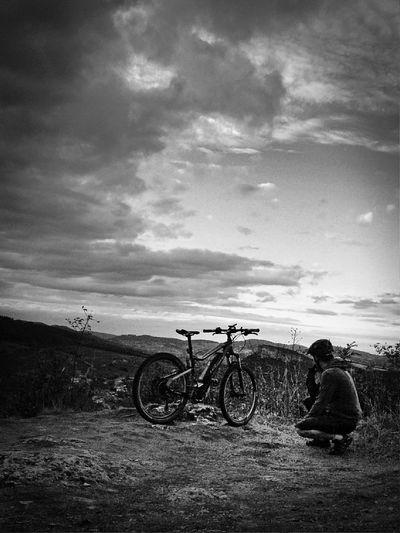 Paysages Bourguignons Paysage De France Black & White Sortie Vtt Moutainbike Roche De Solutré Sport
