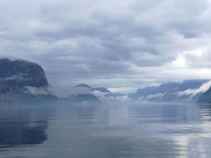 Water Mountain Humpback Whale Fog Snow Lake Whale Winter Glacier Sky