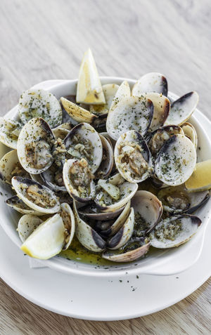 steamed clams Clams Close-up Day Food Food And Drink Freshness Healthy Eating High Angle View Indoors  No People Plate Portuguese Food Ready-to-eat Seafood Serving Size Steamed Clams Table
