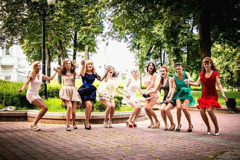 So happy 😊 Fun Full Length Happiness People Friendship Togetherness Connection Motion Smiling Smile Girl Girls Friends First Eyeem Photo Capture Berlin