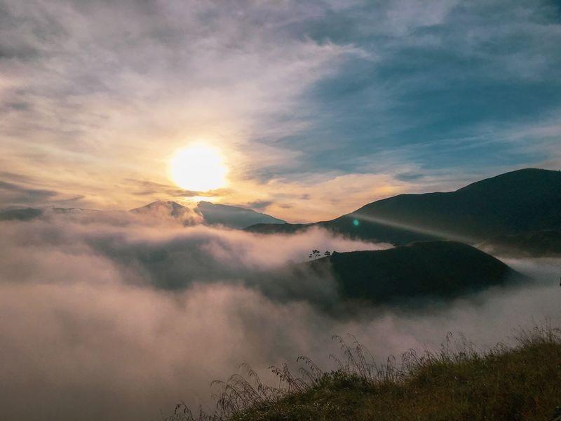 Sky Cloud - Sky Sunset Beauty In Nature Scenics - Nature Tranquil Scene Tranquility Sunlight Orange Color Non-urban Scene Nature Romantic Sky Mountain