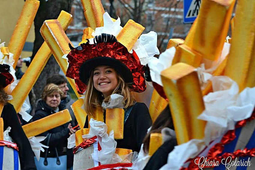 Enjoying Life Enjoying Life Happy People Carnevale Di Muggia Portrait Of A Woman Colors Of Carnival Carnevaldemuja63 Pickoftheday Carnival Party Carnevale2016 Karnival Carnival Spirit Hello World Hi! Makeup Carnevale Patatine Fritte Cips Potatoes Patatina