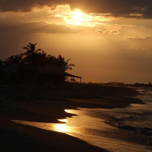 Atardecer en Boca de Uchire BocadeUchire Atardecer Sunset Sun beach playa water shadow oldpicture photography igersvenezuela igers house