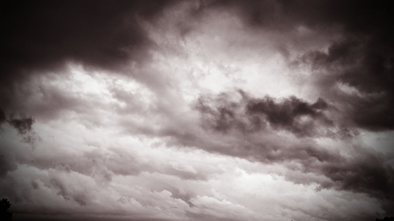 beauty in nature, nature, cloud - sky, sky, scenics, low angle view, backgrounds, weather, cloudscape, atmospheric mood, tranquility, majestic, sky only, dramatic sky, no people, outdoors, awe, tranquil scene, storm cloud, day, full frame