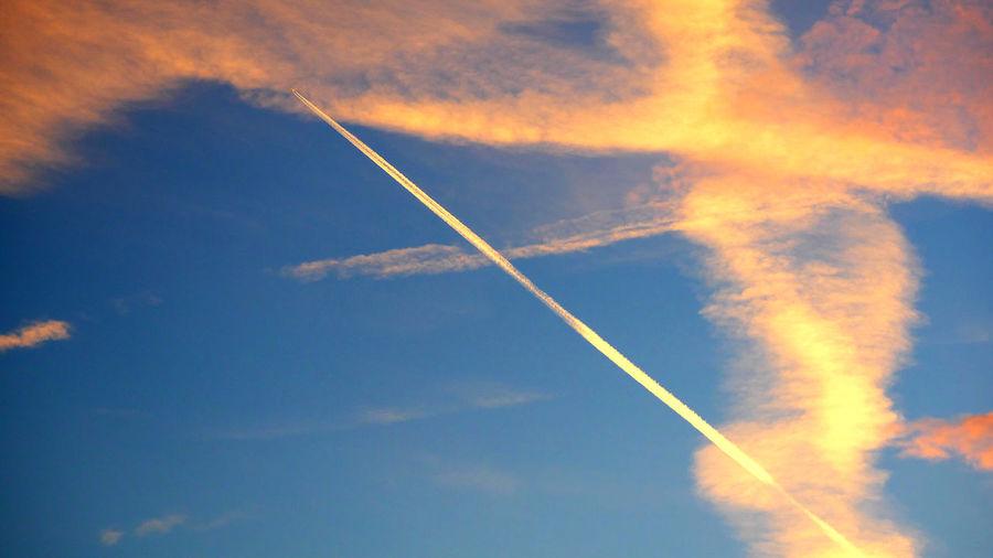 Durchstarten Blue Sky White Clouds Himmmel Airplain
