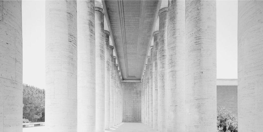 EUR Roma Statue Architectural Column Architettura Arcitecture Bn History Italy No People Razionalismo