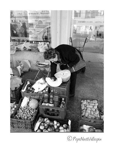 Poladesiero Blackandwhite Streetphotography Black And White Black And White Photography Blackandwhitephotography Black & White Blackandwhite Photography Blancoynegro Streetphoto Streetmarket