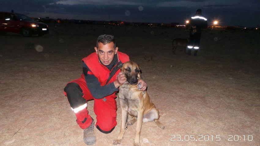 Hi! That's Me Firefighter Sapeurspompiers Selfportrait Me At Work avec notre chiene de recherche END