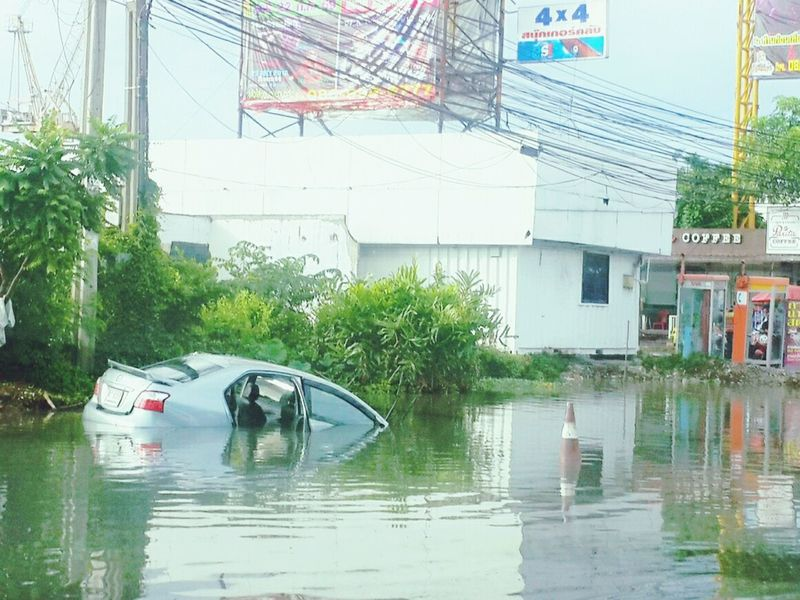 Car Drowned Accident Water