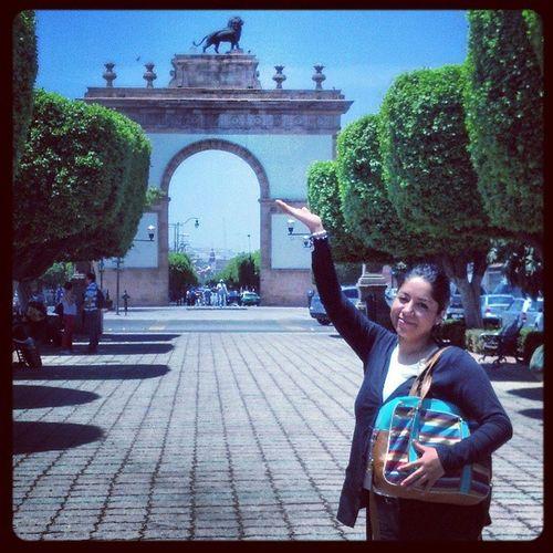 Style Pose Calzada Le  ón