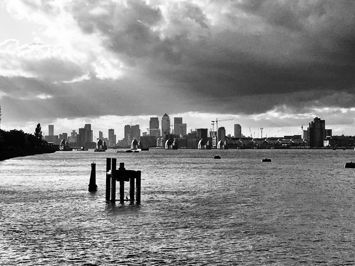 Sunshine & Clouds Typical London ... Cityscape LONDON❤ Sky_collection Sky And Clouds River Thames EyeEm Best Shots - Black + White Blackandwhite EyeEm Best Shots The Week On EyeEm EyeEm Selects