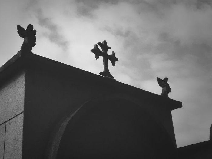 The dead is around! Rest In Peace Dia De Los Muertos