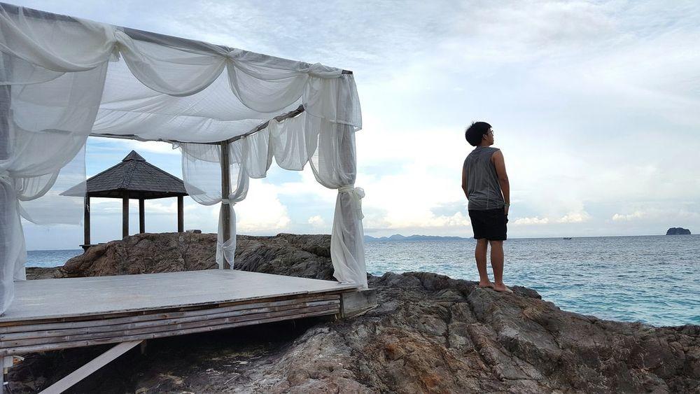เกาะไม้ท่อน Sky Beach Beauty In Nature Cloud - Sky One Person Relaxation One Woman Only Adult Adults Only Vacations People Sea Nature Outdoors Water Only Women Young Adult Day