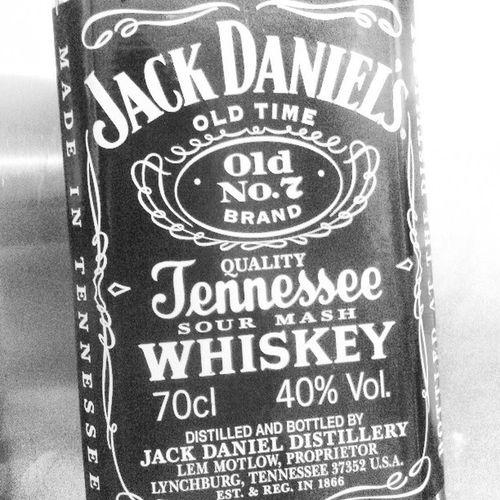 Jack Daniels Jennessee Old N°7 Drink Whiskey
