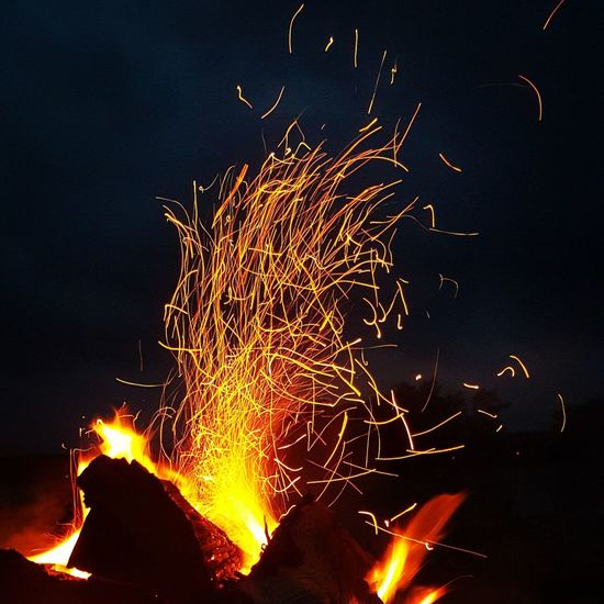 Set fire in the rain Dotheimpossible Bonfire Beachnight Blazing SparksFly Light In The Darkness Warmth In The Night Learn & Shoot: After Dark