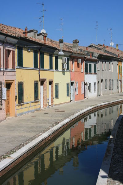Bella Italia Canal Walks Comacchio Italia Canal Canal View Canals And Waterways Canalstreet Comacchiocity Italy Po Delta
