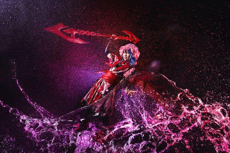 Remilia Scarlet Cosplay Girl Portrait Remilia Scarlet Touhou Vampire Gungnir Water Splash Indoor Studio One Person Illuminated People Flash Sony A6000 Malaysia Photoshoot Asdgraphy The Portraitist - 2017 EyeEm Awards