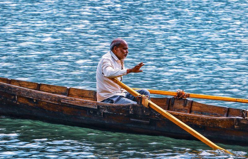 Water Nautical Vessel Gondola - Traditional Boat Oar Full Length Men Rowing Boat