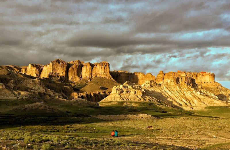 东嘎皮央的风云际会 西藏 象雄文明 东嘎皮央 Rock Formation Rock - Object Landscape Cloud - Sky Nature Geology Sky Mountain Day Beauty In Nature Travel