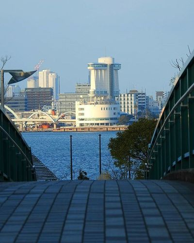 * 海の向こうは名古屋港😃🎵 The other side of the sea Port of Nagoya 😃🎵 * 風景 名古屋 眺め Landscape Vista 眺望 View Nagoya スナップ Japan 日本 Love_world Bestnatureshot 綺麗 景色 Nature 自然 爽やか Sky Igworldclub Follow Worldbestgram Aichi Beautiful Lov view_japan_nagoya_yama 🎶