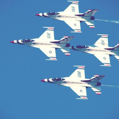USAF Thunderbirds 2011 Çiğli Thunderbirds Usthunderbirds USAF Airshow F16fightingfalcon F16 Military Militaryaviation Aviation
