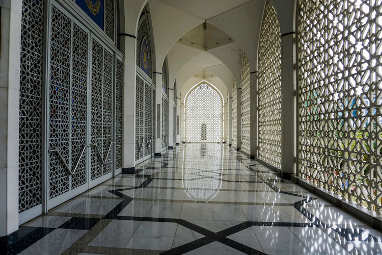 Islamic architecture Arcade Arch Architectural Column Architecture Building Built Structure Ceiling Corridor Day Design Direction Entrance Flooring Indoors  No People Pattern Place Of Worship Religion The Way Forward Tile Tiled Floor