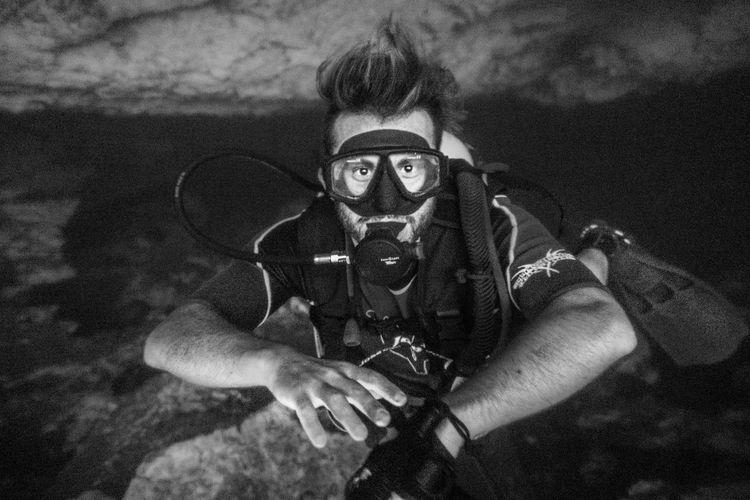 Portrait of man scuba diving in sea
