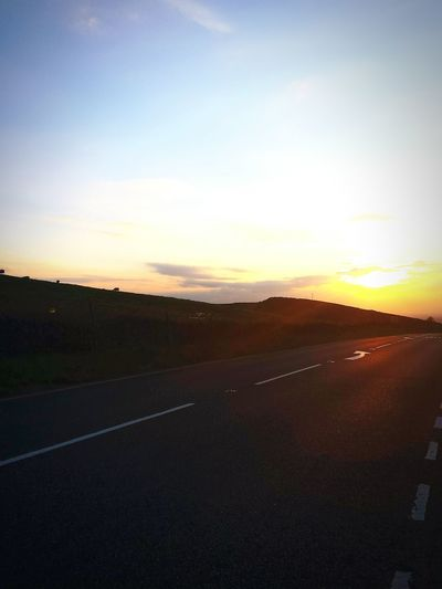 Somewhere on the A537 Cat And Fiddle road, Glorious Sunset Rayoflight Duskporn Roadandscenery On The Road Sunset_collection Getting Inspired Loving Life!