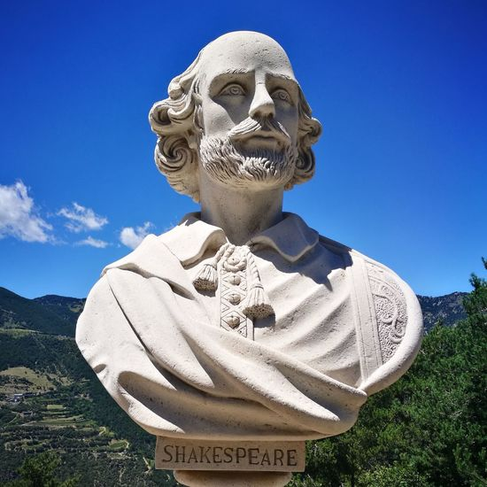 Shakespeare Outdoors No People Andorra🇦🇩 Cloud - Sky Statue The Week On EyeEm EyeEmNewHere
