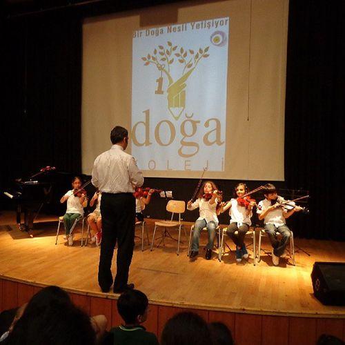 Miniklerim sahnede Keman Festivali Violin Acarkent Doğa Koleji DoğaKoleji Gfarukunal BeykozDoğa