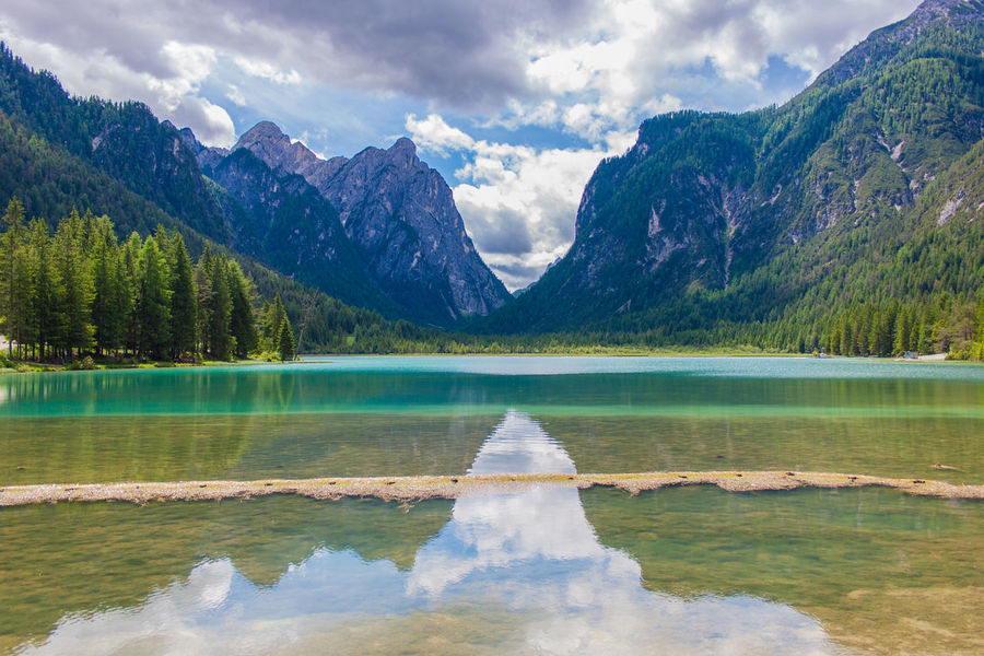 Beauty In Nature Cloud - Sky Day Lake Landscape Mountain Mountain Peak Mountain Range Natural Parkland Nature No People Outdoors Reflection Scenics Sky Summer Tranquility Water