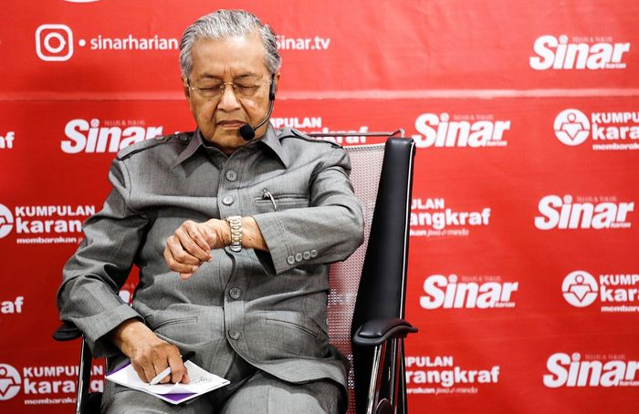 Malaysia Prime Minister Mahathir Mohamad Mahathir Mohamad Malaysia Prime Minister One Person Senior Adult Adult Men Males  Communication Text Senior Men Red Serious Standing Portrait A New Beginning EyeEmNewHere