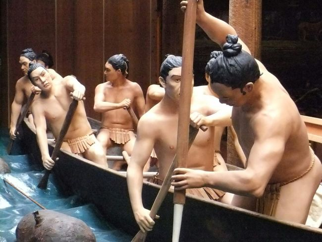 Art Sculpters Carvings Wood Sculpters Canoe Paddling Life Size  People Human Form
