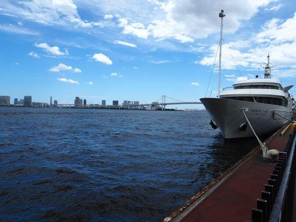 夏休み最終日はこのお船でのんびりクルージングです🤥 Olympus OM-D E-M5 Mk.II Bridge - Man Made Structure Bridge Water Nautical Vessel Transportation Sky Cloud - Sky Mode Of Transportation Sea Cruise Ship Harbor Ship
