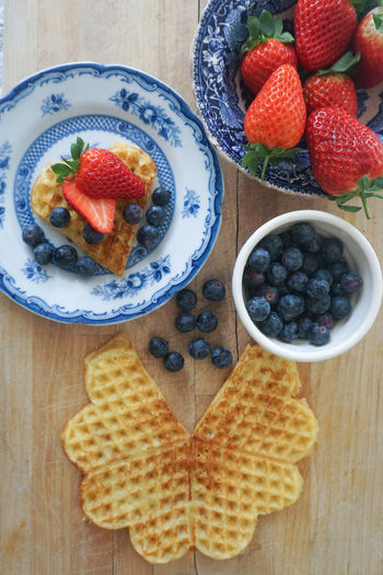 Norwegian waffle with fresh berries Food Food And Drink Foodphotography Food Styling Directly Above Waffle Waffel Waffels Vaffel Norwegian Waffle Tart - Dessert Fruit Directly Above Dessert Table High Angle View Close-up Sweet Food Food And Drink Berry Fruit Strawberry Blueberry Berry Slice Of Cake