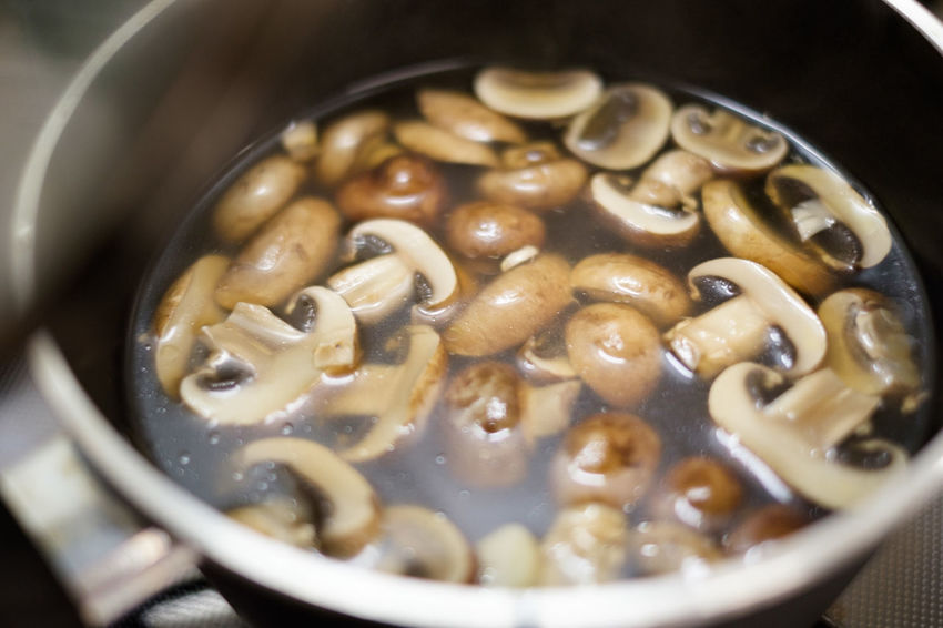 Mushroom soup Food Still Life Soup Food And Drink Japanese Food Indoors  Freshness Vegetable Close-up Healthy Eating Vegetable Soup No People Mashrooms Saucepan Selective Focus High Angle View Ready-to-eat Kitchen Utensil Cooking Pan Hatamoto Shinichi