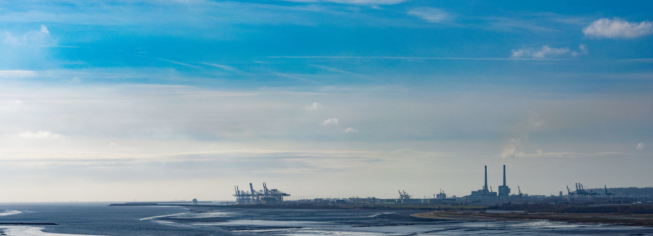 Cloud - Sky Estuaire Harbor Le  Le Havre Port - Port 2000 River S Sea Sky Water Waterfront