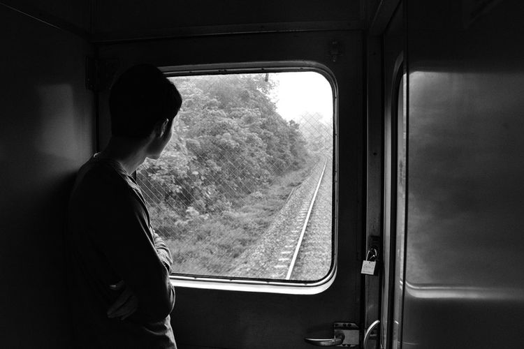 While the train is moving, I saw my friend in other moment beside the window. Black And White Daydreaming Eyem Gallery Goinghome Journey Journeyphotography Light And Shadow Moments Portrait Of A Friend Shadow Shadows & Lights Showcase: February The Week Of Eyeem Train Vscocam