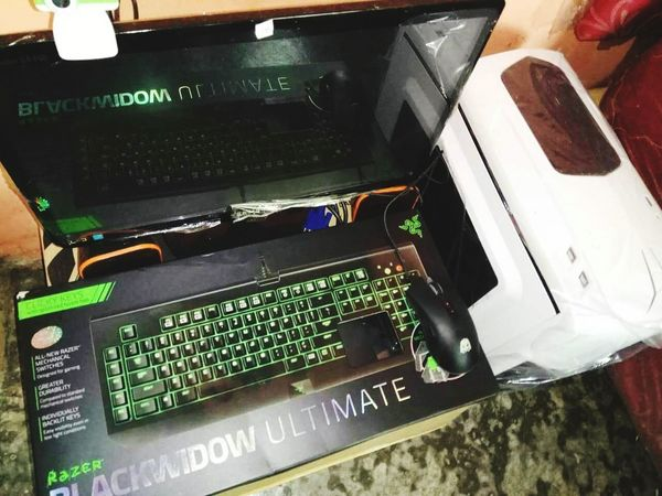 game Laptop BlackWidow Night PUBG Fortnite Gamer Gaming Technology Close-up Mother Board Electrical Component Hard Drive CPU Computer Part Network Server It Professional Administrator Electronics Industry EyeEmNewHere